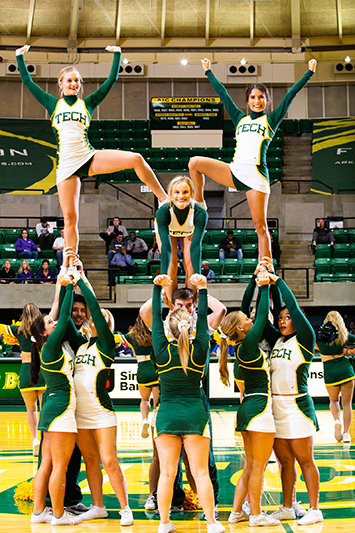 ATU Cheerleaders 11-21-2019