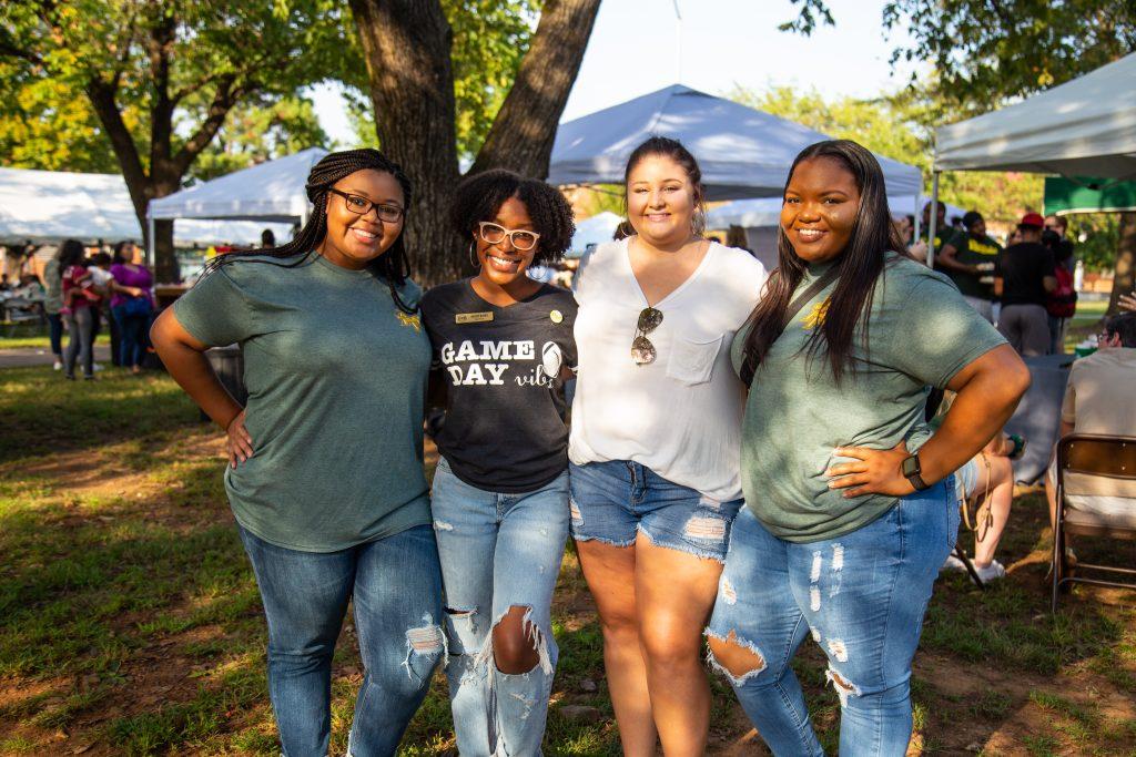 Party at the Plaza – O'Hara Duncan, Destiny Harris, Kirsten Reid '19, Natari Irvin '17