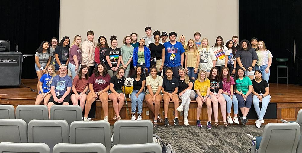 Upward Bound Summer Program Participants and Jerry the Bulldog 2021